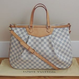 $1,810~LOUIS VUITTON~SIRACUSA GM Damier Azur Bag